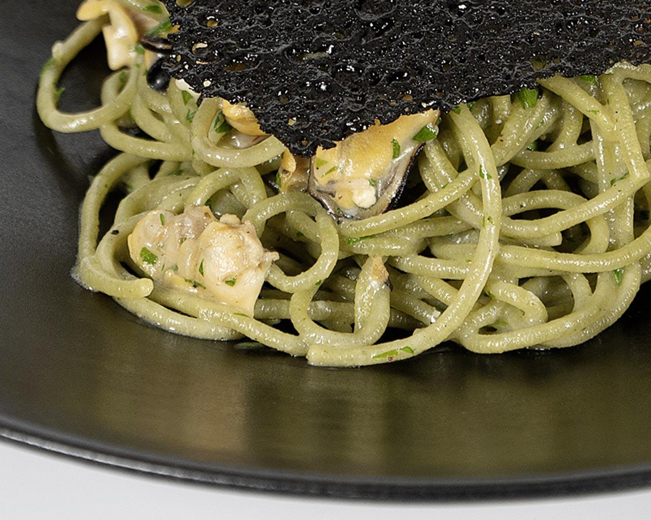 Spaghetti con cozze e vongole | Mehta Ristorante Martina Franca